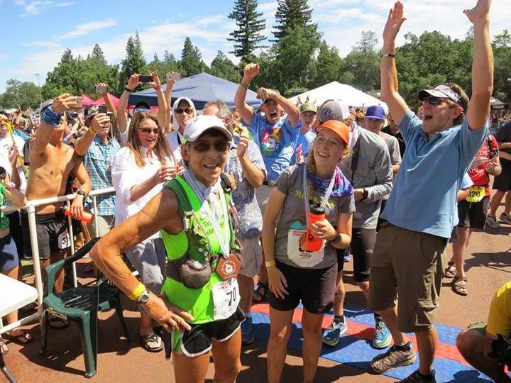 Gunhild Swanson Western States Locos por correr 01