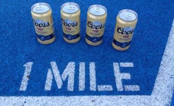 """El récord de """"la milla de la cerveza"""", vencido dos veces en 24 horas"""