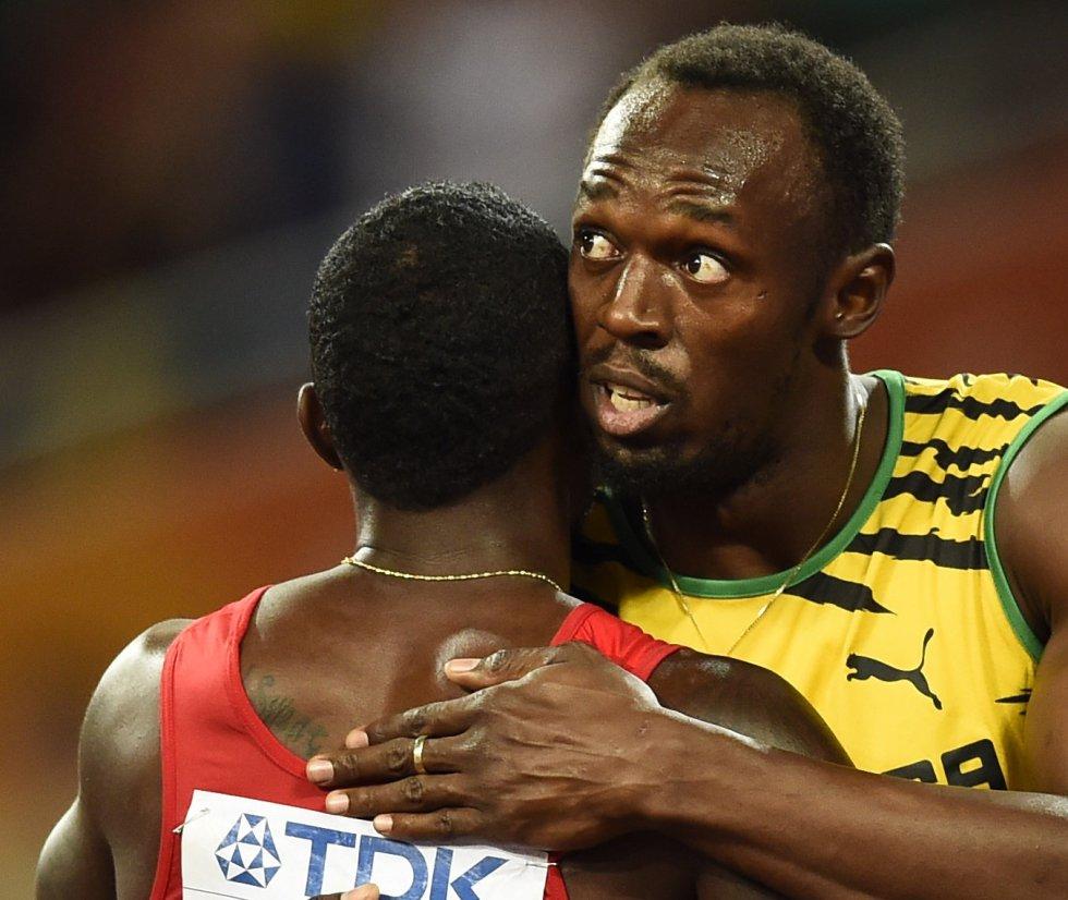 USain Bolt campeon 100 metros Beijing locos por correr 20