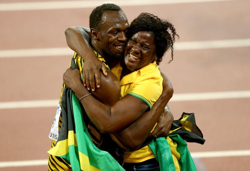 USain Bolt campeon 100 metros Beijing locos por correr 24