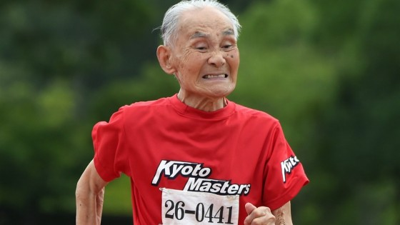 Récord mundial: Tiene 105 años y corrió los 100 metros en 42 segundos