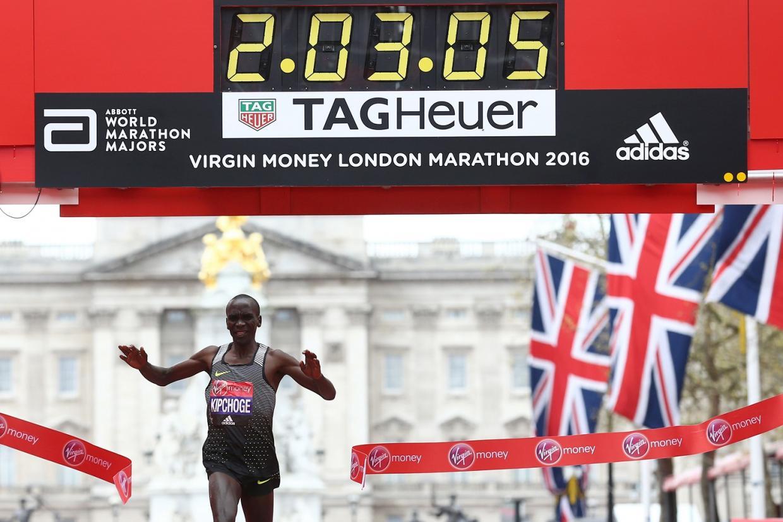 Eliud Kipchoge gana Maratón de Londres 2016 - Locos por correr