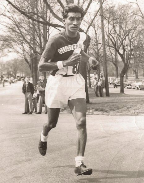 Mateo Flores - Locos por correr