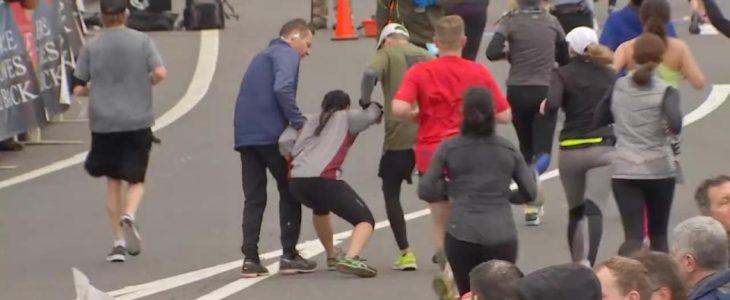 Video y encuesta: mujer llega en andas a la meta de una media maratón
