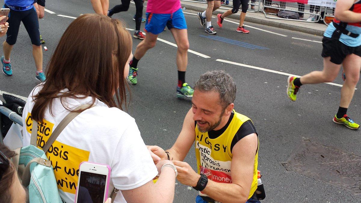 Propuesta de matrimonio Maratón de Londres Locos Por Correr 05