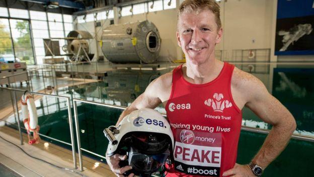Astronauta Maraton de Londres locos por correr 03