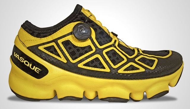 Zapatillas running diseño curioso 02