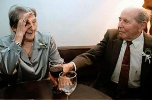 Emil Zatopek y su esposa en 1998 - Locos por correr