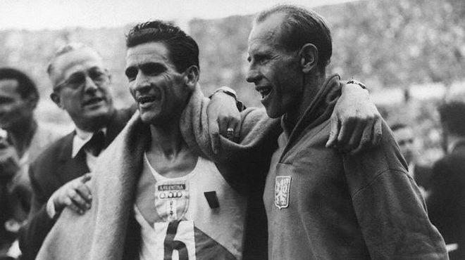 Reinaldo Gorno y Emil Zatopek en Helsinki 1952 - Locos por correr