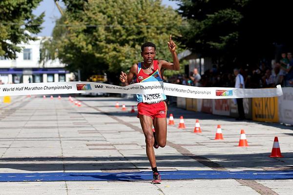 Zersenay Tadese Campeón mundial Locos por correr