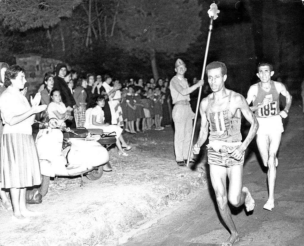 Abebe Bikila Roma 1960 Locos por correr
