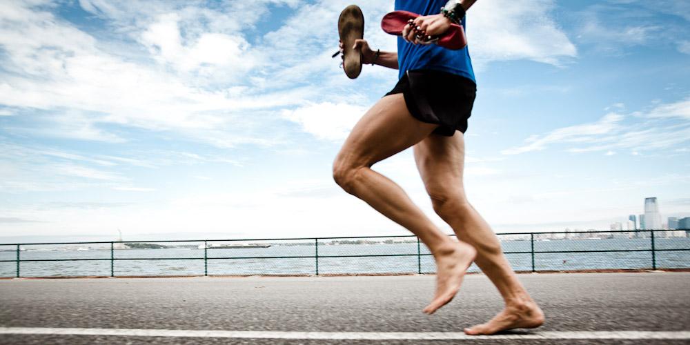 BArefoot running correr descalzo locos por correr 01