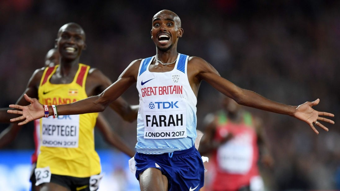 LONDON, ENGLAND - AUGUST 04: Mo Farah of Great Britain celebrates winning gold in the Men's 10000 metres final during day one of the 16th IAAF World Athletics Championships London 2017 at The London Stadium on August 4, 2017 in London, United Kingdom. (Photo by Shaun Botterill/Getty Images)